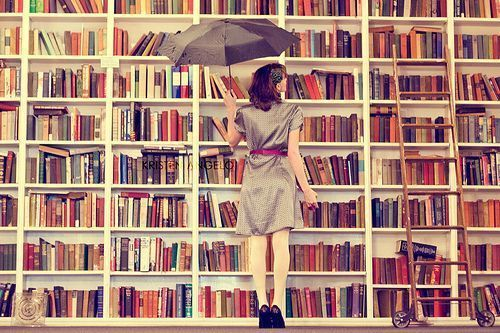 Image trouvée ici : http://alivreouvert.net/2013/01/30/comment-classer-les-livres-dans-une-bibliotheque/