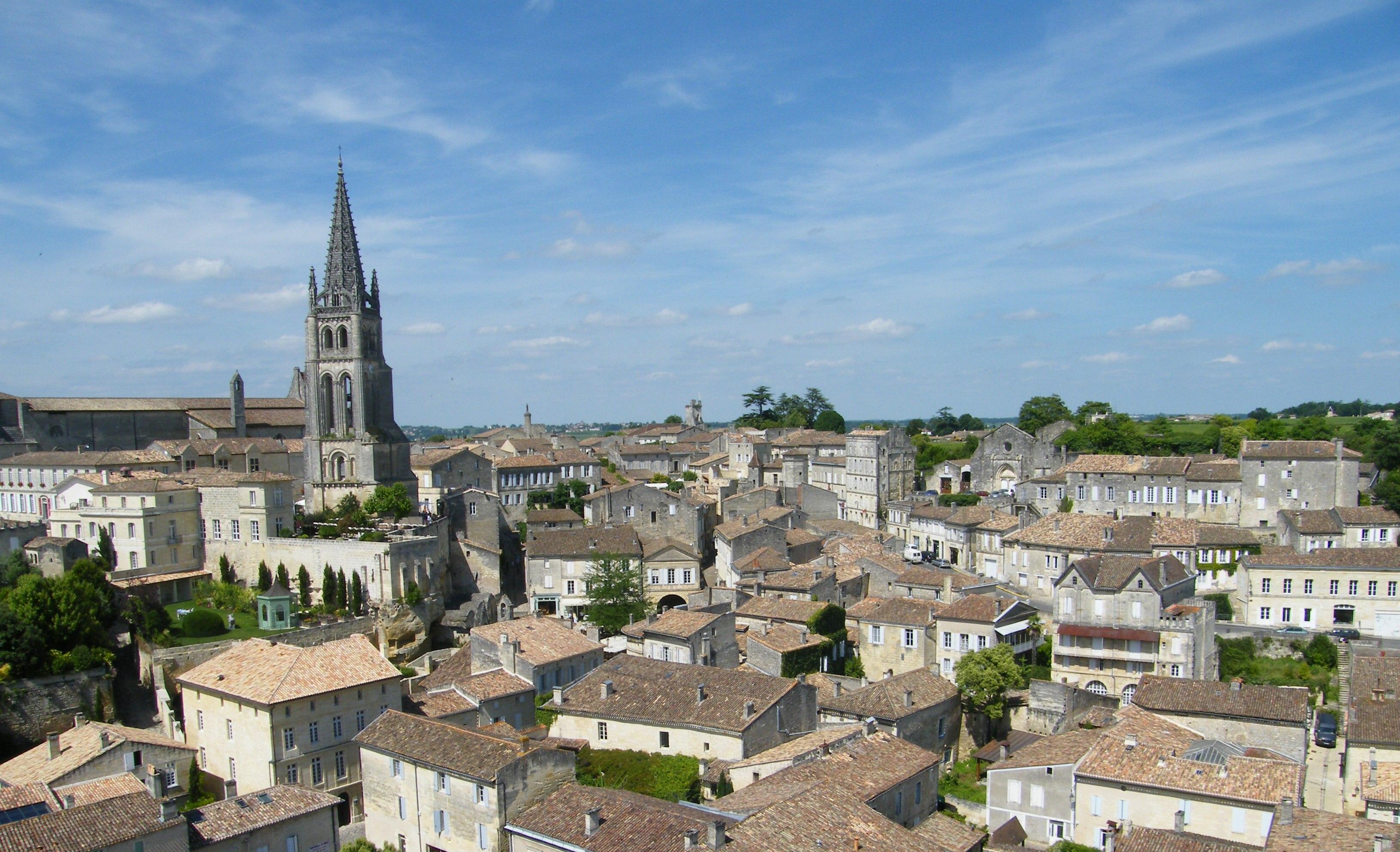 @ http://bordeaux-saint-emilion.com/fr/content/4-le-vignoble